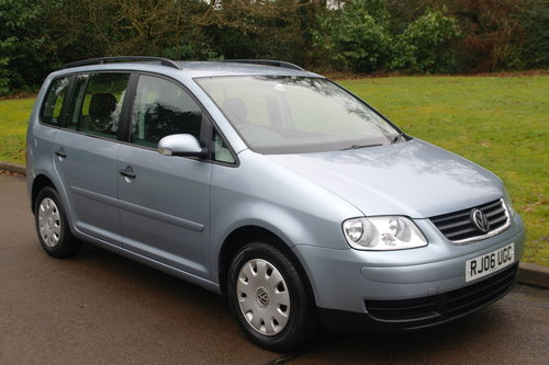 Volkswagen Touran 1.9 TDi S.. 7 Seats.. 6-Speed Manual SOLD (picture 2 of 6)