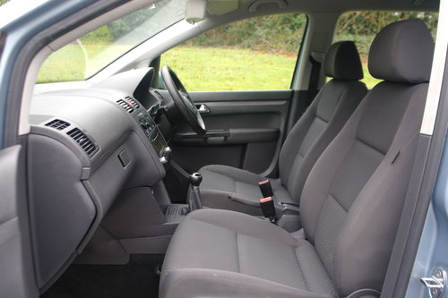 Volkswagen Touran 1.9 TDi S.. 7 Seats.. 6-Speed Manual SOLD (picture 3 of 6)