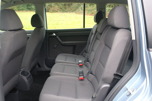Volkswagen Touran 1.9 TDi S.. 7 Seats.. 6-Speed Manual SOLD (picture 4 of 6)
