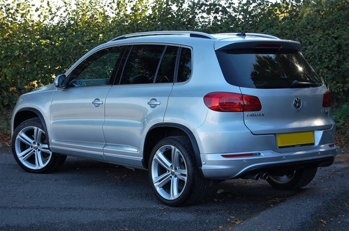 2014 VW Tiguan 2.0 TDi BMT R Line 177 5dr DSG NAV For Sale (picture 2 of 6)