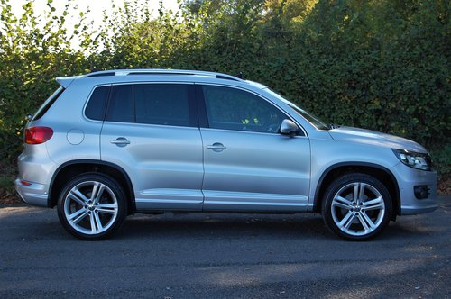 2014 VW Tiguan 2.0 TDi BMT R Line 177 5dr DSG NAV For Sale (picture 3 of 6)