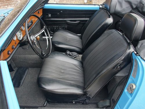 1970 Volkswagen Karmann Ghia Convertible restored condition For Sale (picture 3 of 6)