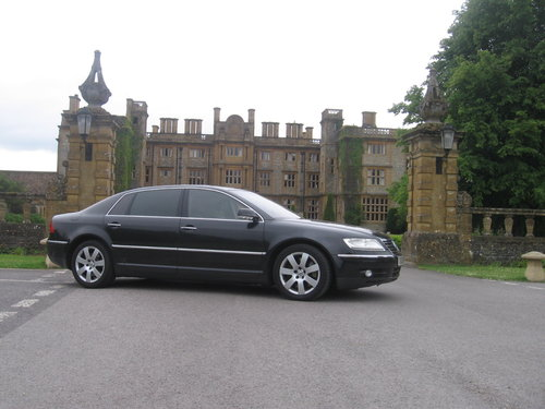 2005 VOLKSWAGEN PHAETON LWB V10  Reg # UNV 3  For Sale (picture 1 of 6)
