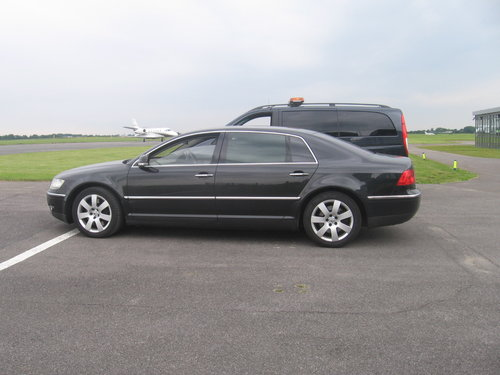2005 VOLKSWAGEN PHAETON LWB V10  Reg # UNV 3  For Sale (picture 2 of 6)