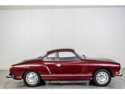 1974 Volkswagen Karmann Ghia Coupe Stick Shift For Sale (picture 6 of 6)