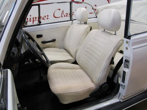 1977 Volkswagen Beetle 1303 Cabrio 1.6L inj. Triple White For Sale (picture 5 of 6)