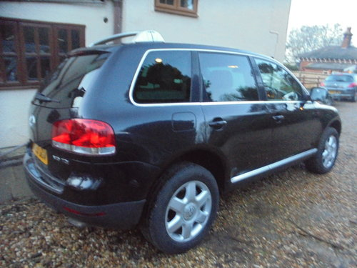 2003 V/10 DIESEL AUTO  4X4 STAION-WAGON 53 PLATE IN BLACK For Sale (picture 3 of 6)
