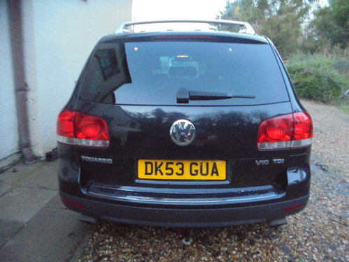2003 V/10 DIESEL AUTO  4X4 STAION-WAGON 53 PLATE IN BLACK For Sale (picture 4 of 6)