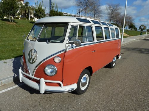 1964 Volkswagen T1 21W completely restored. Collector VAN For Sale (picture 1 of 6)