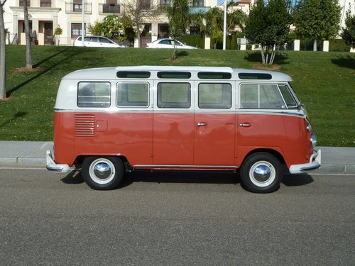 1964 Volkswagen T1 21W completely restored. Collector VAN For Sale (picture 2 of 6)