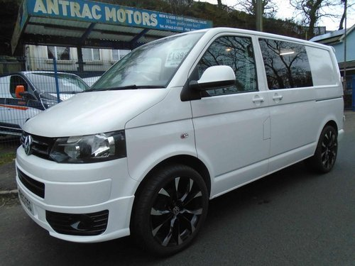 2013/63 Volkswagen Transporter 2.0TDi KOMBI 6 SEATER 114 BMT For Sale (picture 1 of 6)