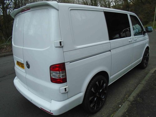 2013/63 Volkswagen Transporter 2.0TDi KOMBI 6 SEATER 114 BMT For Sale (picture 3 of 6)