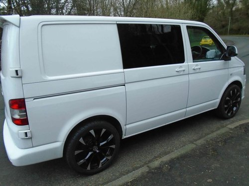 2013/63 Volkswagen Transporter 2.0TDi KOMBI 6 SEATER 114 BMT For Sale (picture 4 of 6)