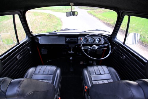 1977 VW Bay Window Camper Van – Right Hand Drive. For Sale (picture 5 of 6)