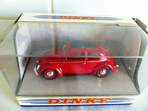 TWO 1951 VW BEETLE'S SPLIT WINDOW-1:43 SCALE For Sale (picture 5 of 6)