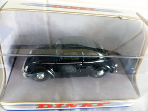 TWO 1951 VW BEETLE'S SPLIT WINDOW-1:43 SCALE For Sale (picture 6 of 6)