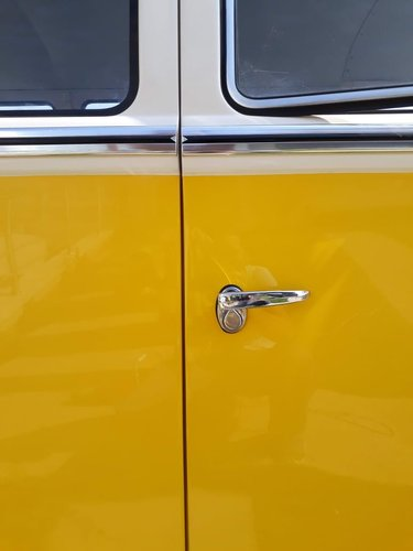 1975 Like new AAA quality VW T1 split window bus For Sale (picture 4 of 6)