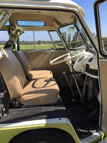 1964 Volkswagen Split Screen, 21 Window Deluxe Samba For Sale (picture 4 of 6)