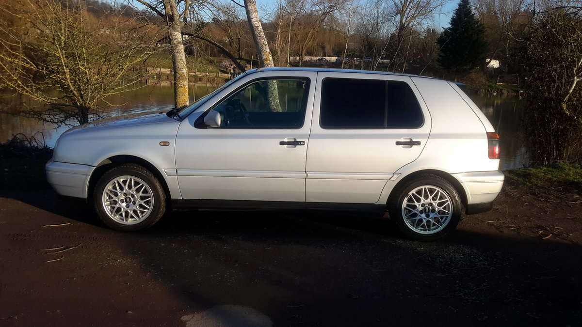 1998 VW GOLF VR6 2.8 5 DOOR AUTOMATIC 16000 MILES For Sale (picture 2 of 6)