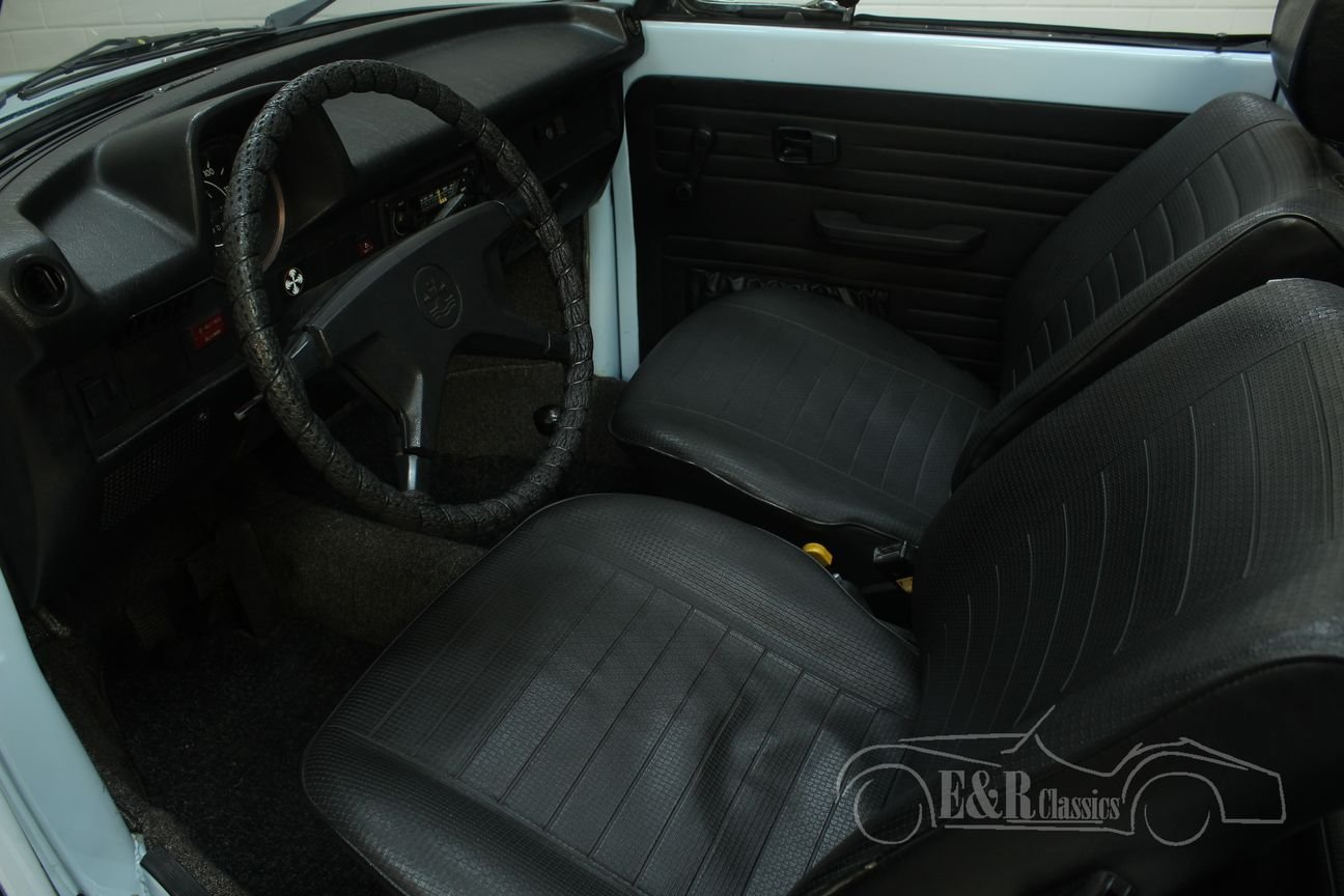 Volkswagen Beetle 1303 Cabriolet 1975 in very good condition For Sale (picture 3 of 6)