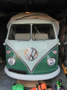 1966 VW  Split screen 21 window Samba Campervan