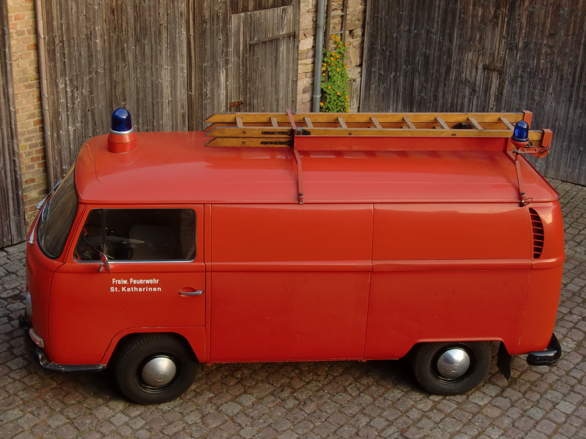 1669 VW type 2 German fire brigade/fighting vehicle LHD For Sale (picture 3 of 6)