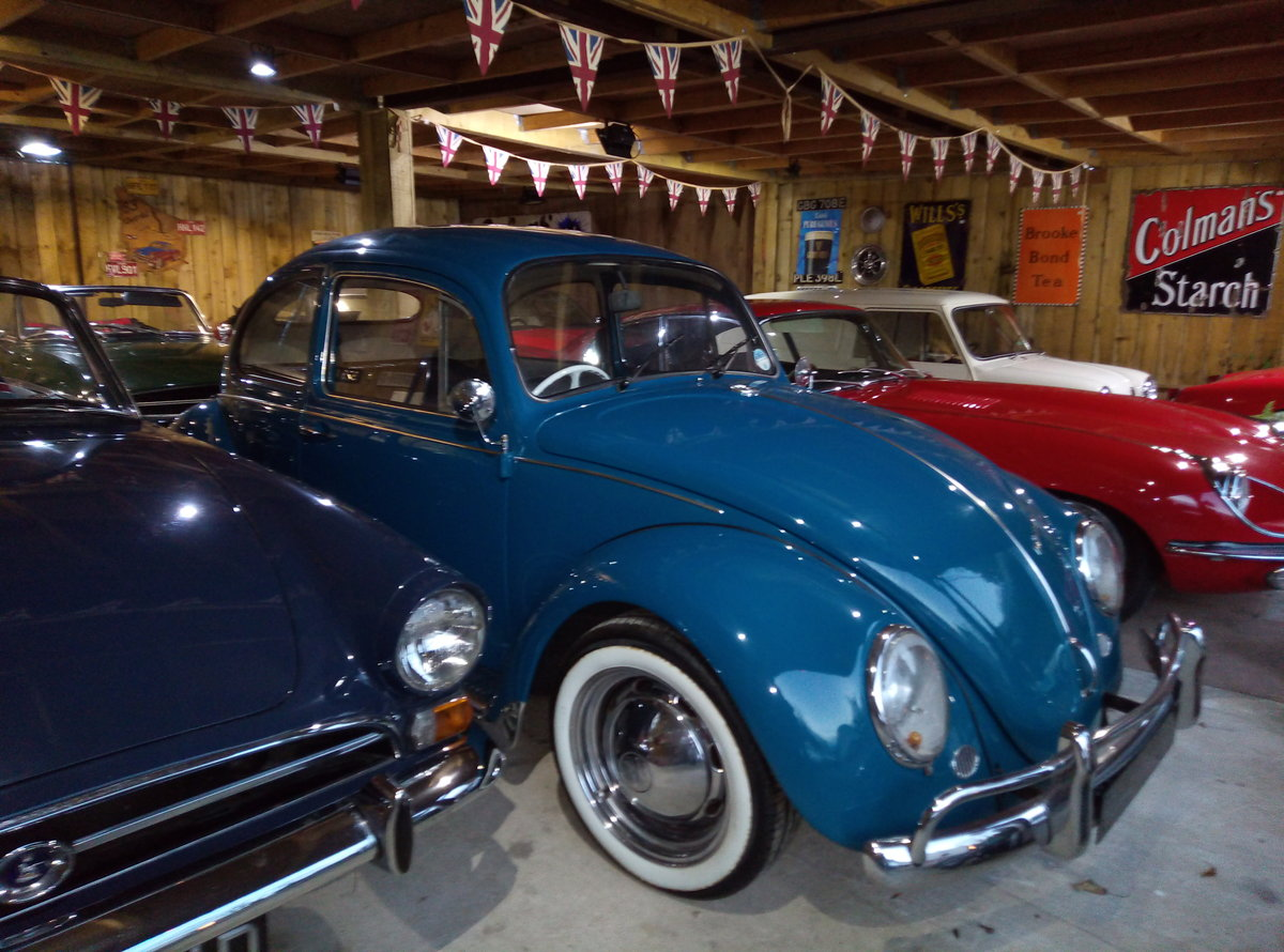 1969 VW BEETLE  CAL-LOOK WITH OVAL REAR WINDOW  For Sale (picture 1 of 6)