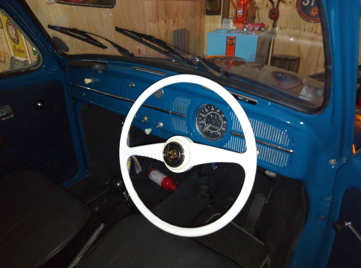 1969 VW BEETLE  CAL-LOOK WITH OVAL REAR WINDOW  For Sale (picture 4 of 6)