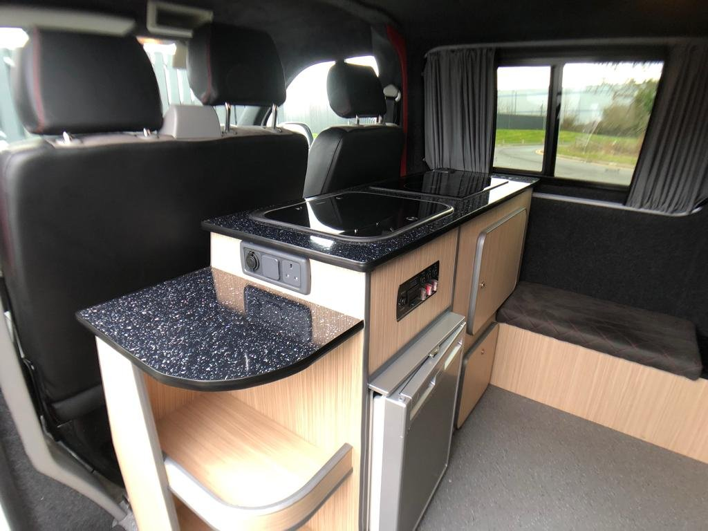 2013 VW TRANSPORTER CAMPER VAN TDi 102 LWB For Sale (picture 5 of 6)