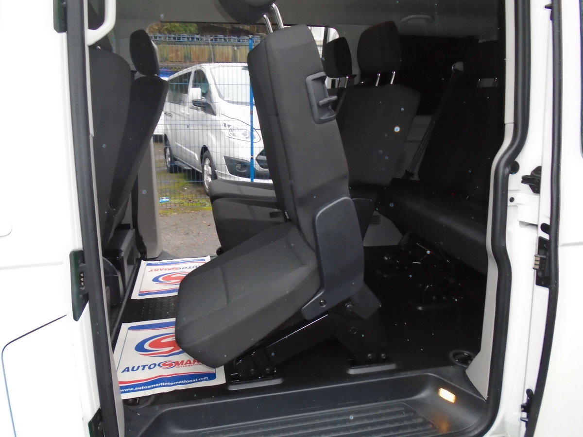 2015 /65 VW TRANSPORTER T6 SHUTTLE SWB 8 SEATER T32 102 TDI  For Sale (picture 3 of 6)