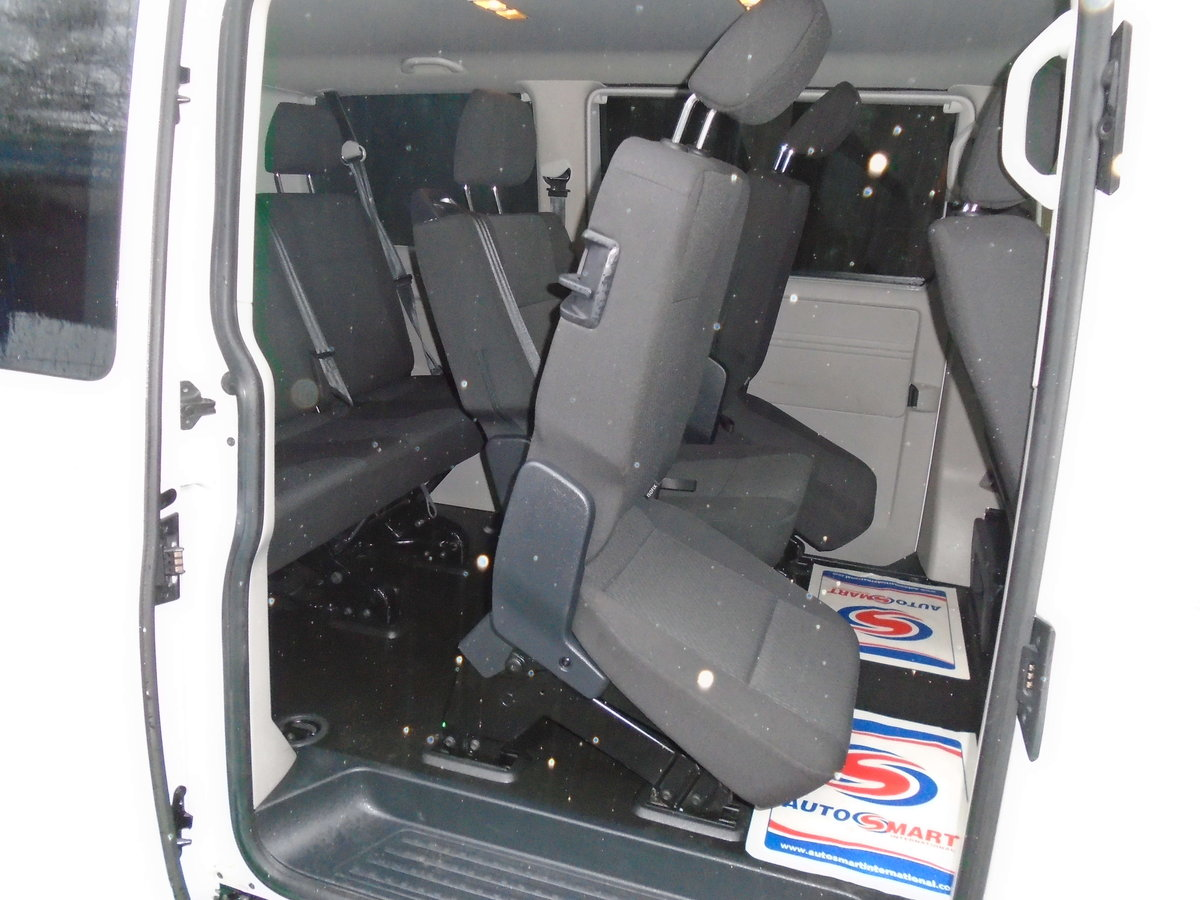 2015 /65 VW TRANSPORTER T6 SHUTTLE SWB 8 SEATER T32 102 TDI  For Sale (picture 4 of 6)