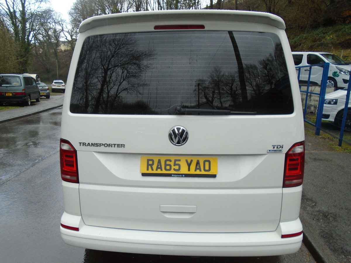 2016 65 Volkswagen Transporter Shuttle 2.0TDI ( 102PS ) LWB  For Sale (picture 2 of 6)