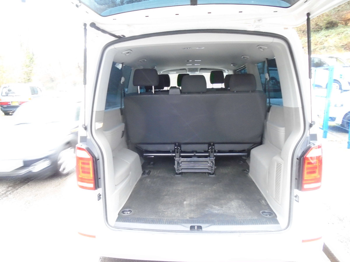 2016 65 Volkswagen Transporter Shuttle 2.0TDI ( 102PS ) LWB  For Sale (picture 3 of 6)