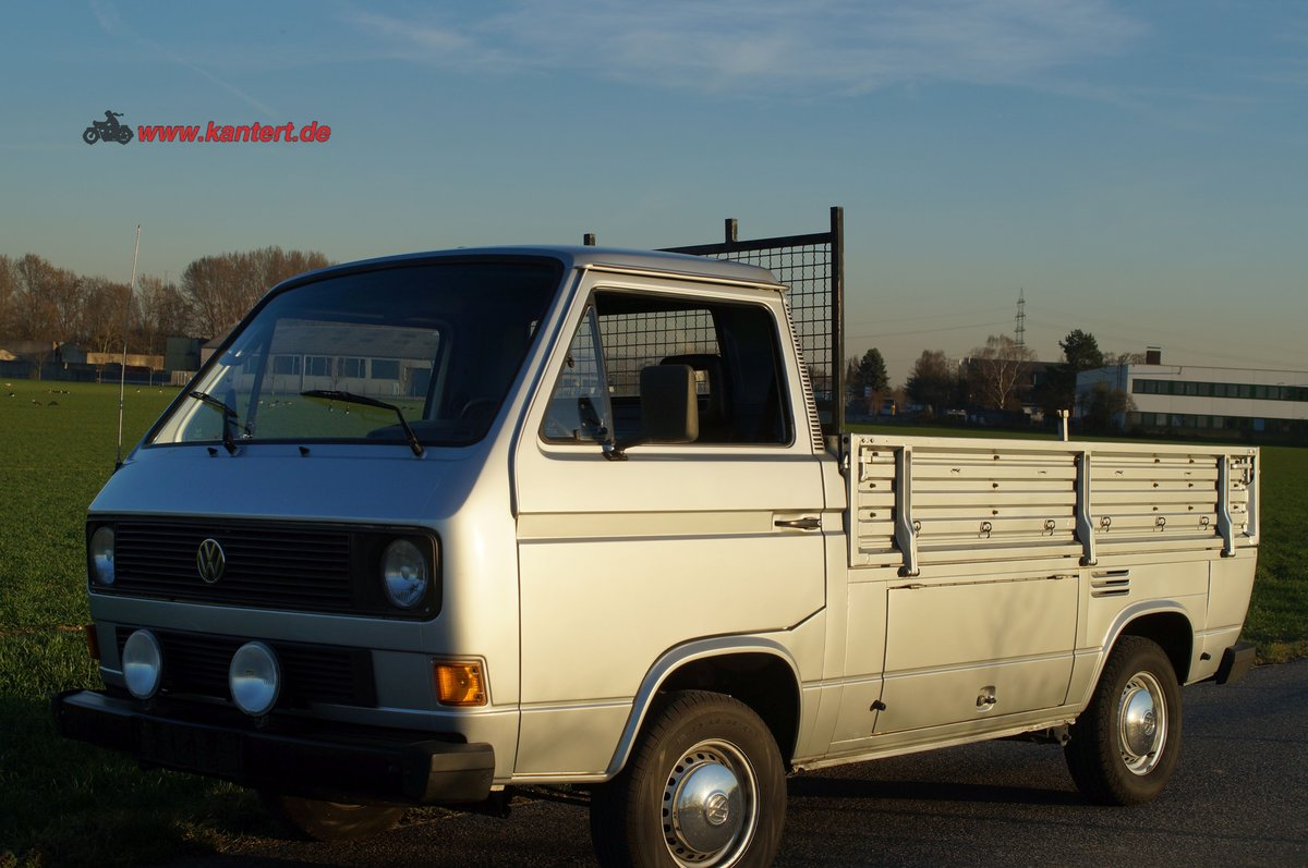 1988 VW T 3 1,6 TD Transporter, Pritsche left hand drive For Sale (picture 1 of 6)