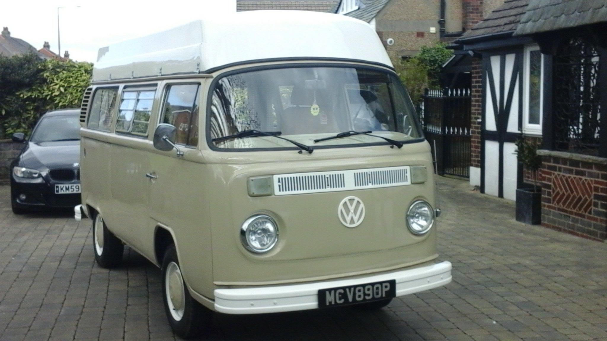 1976 VW VOLKSWAGEN T2 TYPE2 BAYWINDOW CAMPER VAN For Sale (picture 2 of 6)