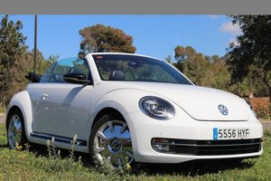 2014 LHD-New Beetle 2.0TDI Cabrio automatic - 1 owner