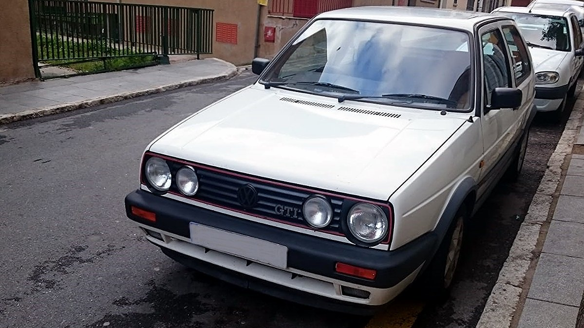 1990 VW GOLF GTI 8V RHD BUT LIVED IN SPAIN PAST 16 YRS For Sale (picture 2 of 6)
