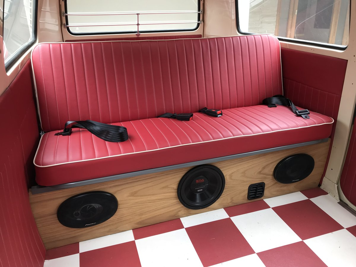 1973 VW Campervan For Sale (picture 4 of 6)