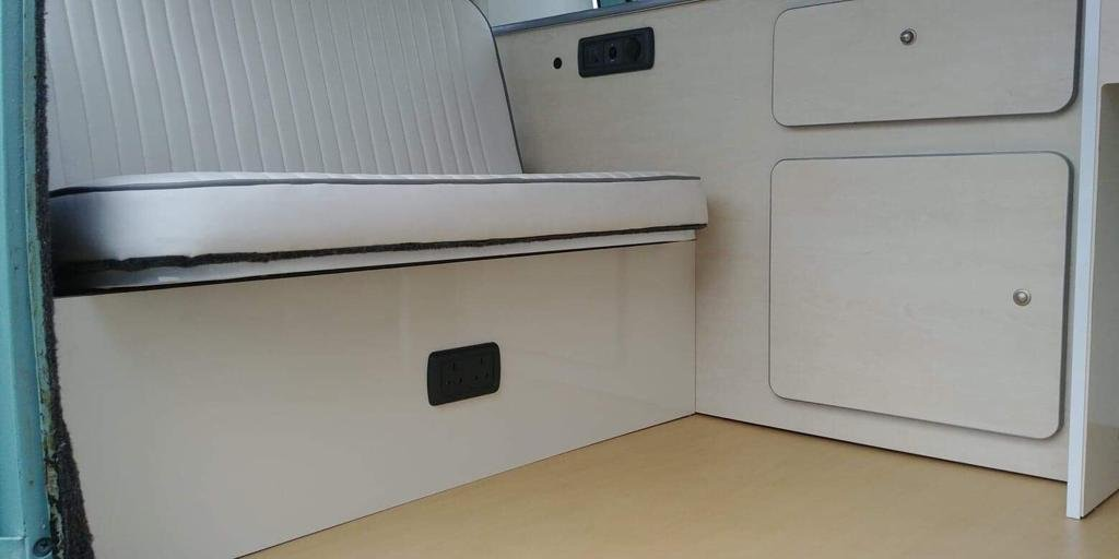 Volkswagen Splitscreen 15 Window 1968 Campervan For Sale (picture 4 of 6)