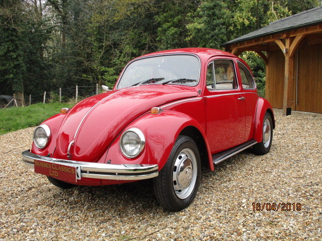 1971 Volkswagen Beetle 1300 (Card Payments & Delivery) SOLD (picture 1 of 6)