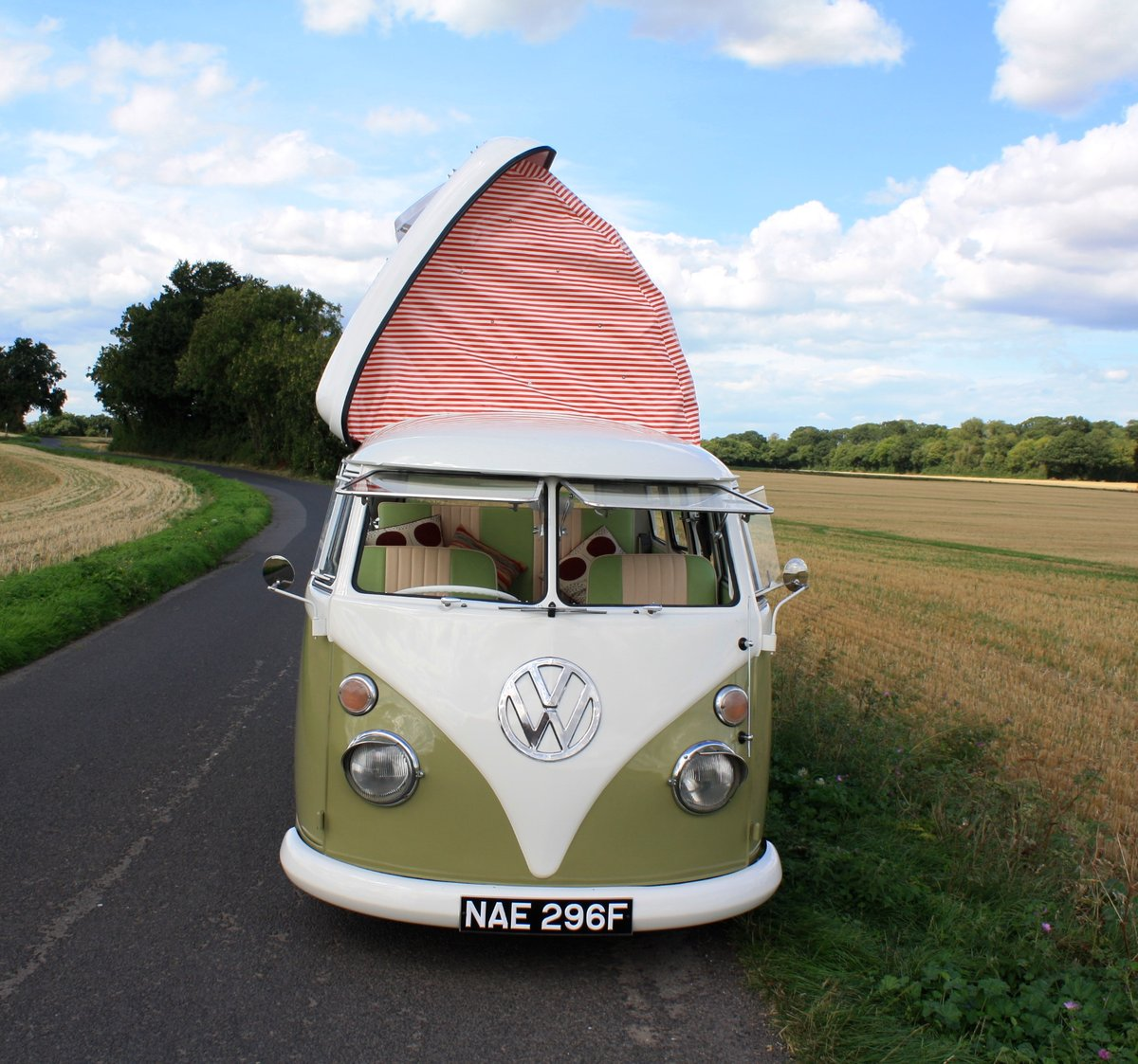1967 VW Split Screen Camper Van – Pop Top RHD Walk Through. For Sale (picture 2 of 6)