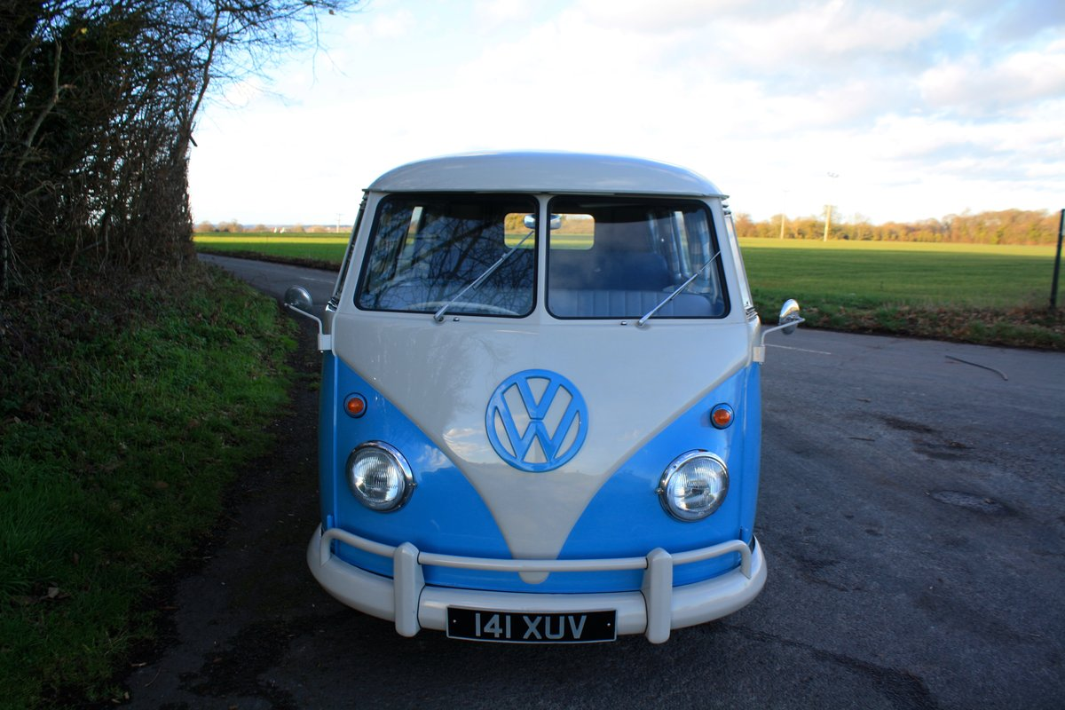 1962 VW Split Screen Camper Van – Right Hand Drive. Restored For Sale (picture 2 of 6)