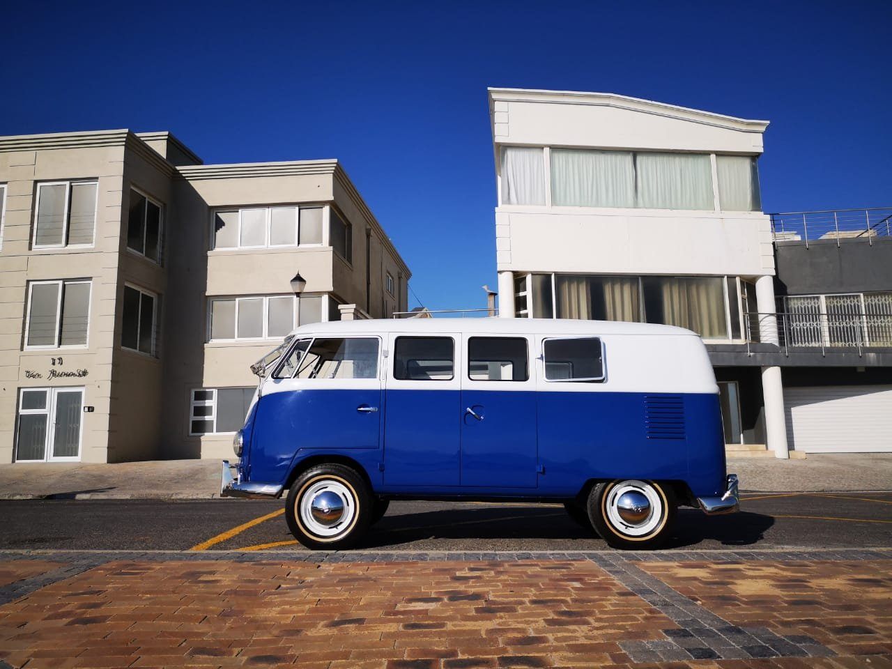 1957 Volkswagen Semaphore Kombi For Sale (picture 1 of 6)