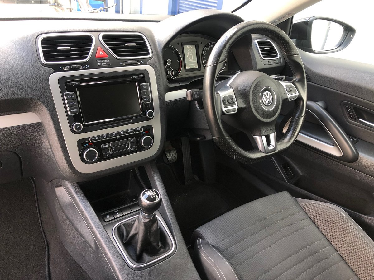 2011 61 VOLKSWAGEN SCIROCCO 2.0 GT TDI BLUEMOTION TECHNOLOGY SOLD (picture 6 of 6)