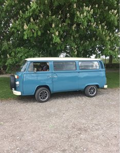 1975 T2 bay window vw camper tintop