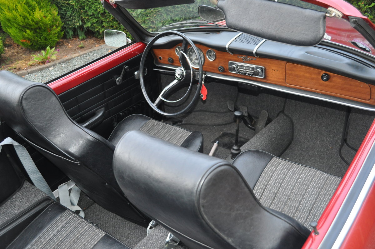 1968 VW Karmann Ghia Convertible For Sale (picture 4 of 4)