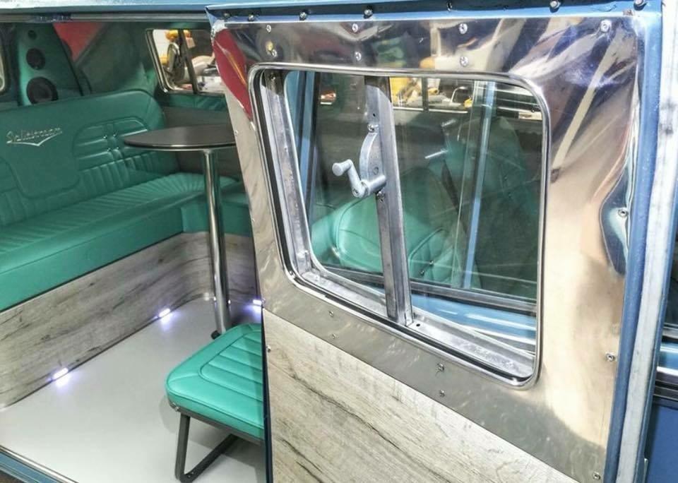 Completely refurbished 1964 Vw Splitscreen custom For Sale (picture 4 of 6)