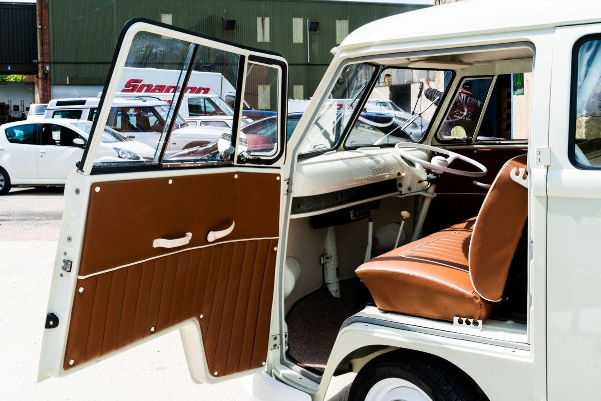 Volkswagen VW 1961 T2 Splitscreen Camper Van RHD For Sale (picture 1 of 6)