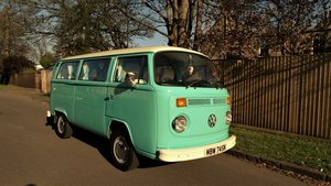 1975 Excellent condition, pristine bay window campervan For Sale