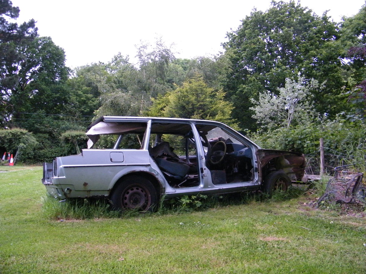 VW PASSAT GL5 ESTATE: 1981 For Spares. For Sale (picture 2 of 2)